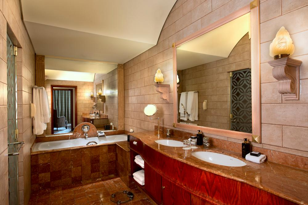Michelangelo Hotel Premier Suite Bathroom